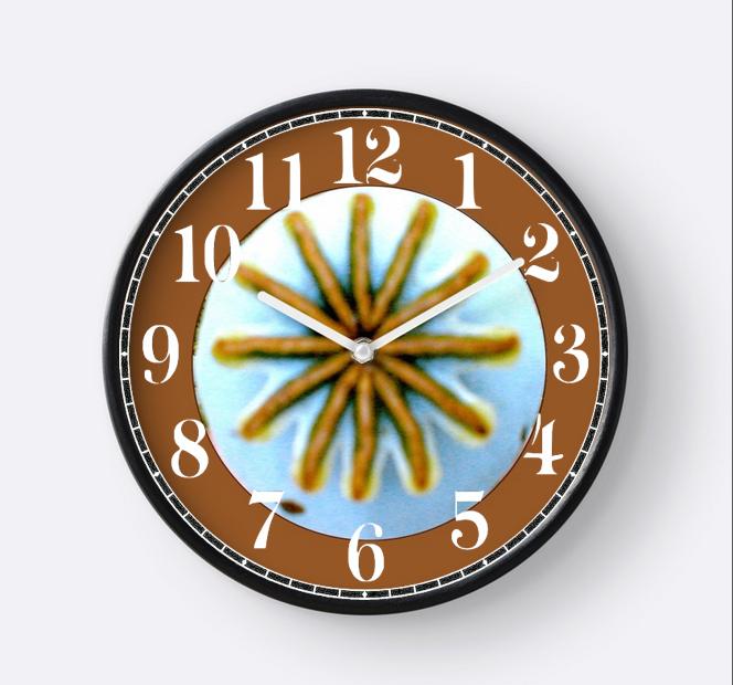 Poppy pod clock